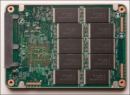 英特尔x-25固态硬盘内部结构曝光(图)